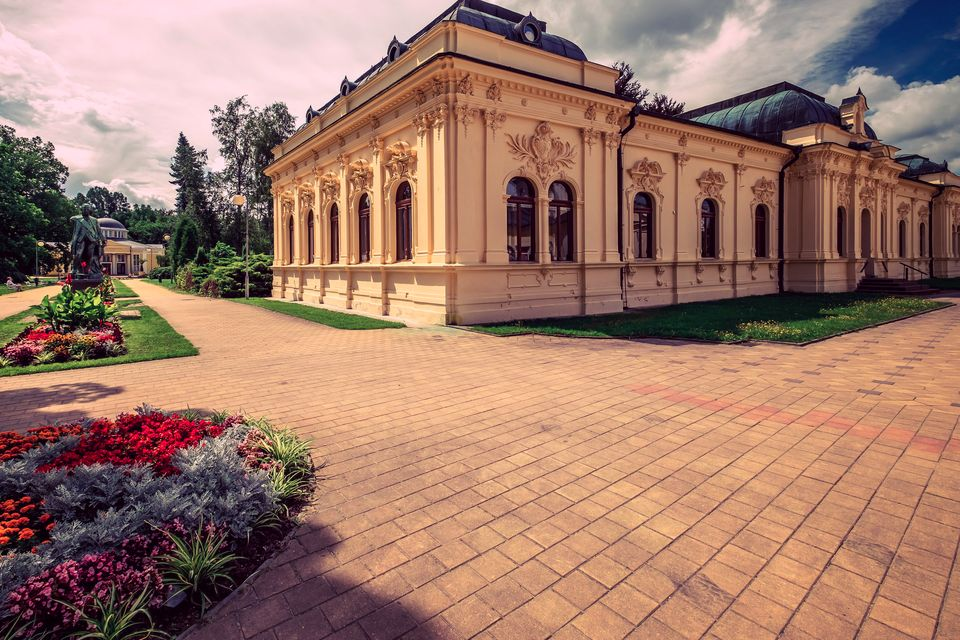 Karlovy Vary Bad colonnades