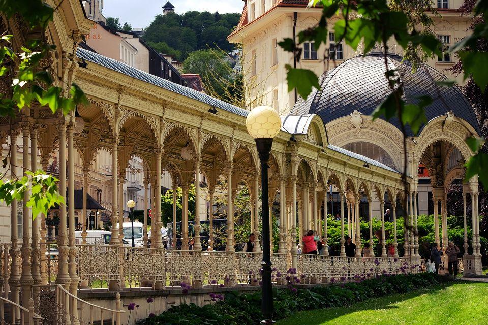 Karlovy Vary Snake colonnade