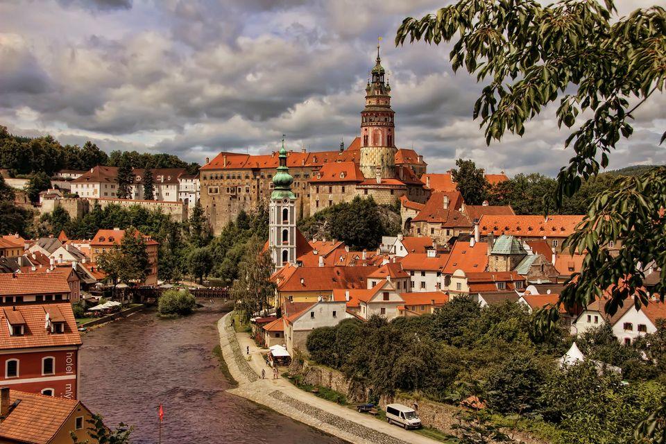 Cesky Krumlov castle Vltava river